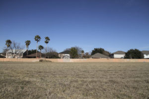 San Antonio developer Franklin Companies wanted to build 102 affordable apartments on these five acres that take up the 3500 block of Thousand Oaks Drive. Ultimately, the subdivision behind it, called Eden, voted in opposition and Franklin backed away. Alma E. Hernandez | Folo Media