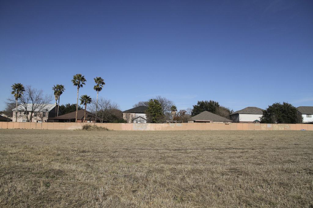 San Antonio developer Franklin Companies wanted to build 102 affordable apartments on these five acres that take up the 3500 block of Thousand Oaks Drive. Ultimately, the subdivision behind it, called Eden, voted in opposition and Franklin backed away. Alma E. Hernandez   Folo Media